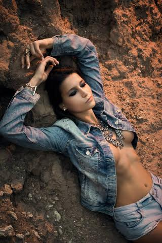 Jeanne Bourgeois, Bikini Models, Brussela models, Lingerie Models, Stylerug, eyecandy, Female Models, Hot Babes, Sexy Body, Curves, Seductive